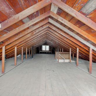 bungalow_attic
